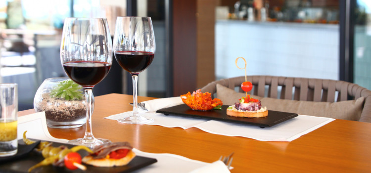 Tapas and wine - Mikel & Pintxo Restaurant