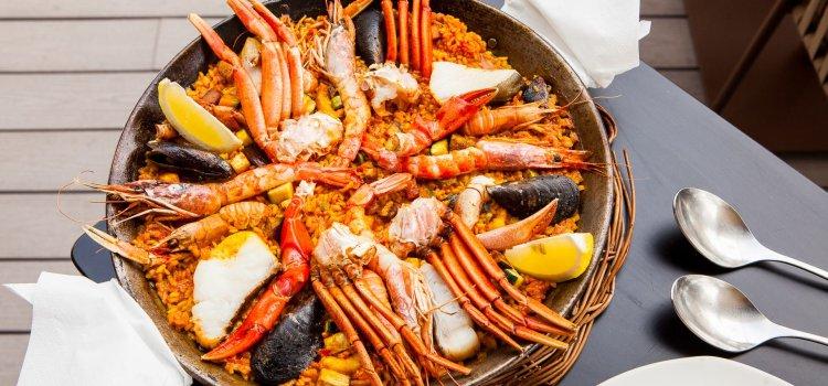 mikel y pintxo Paella mit Meeresfrüchten